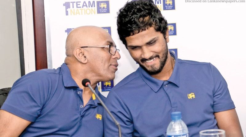 Sri Lanka News for Akila Dananjaya reminds me of young Murali – Hathurusingha