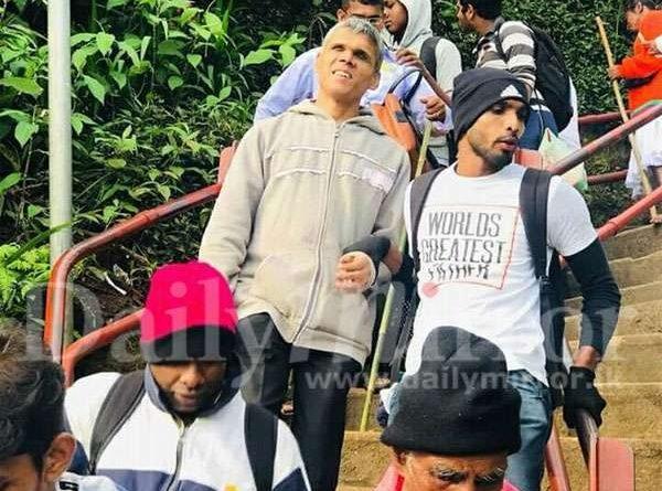 Sri Lanka News for Leading the visually impaired to Siripada