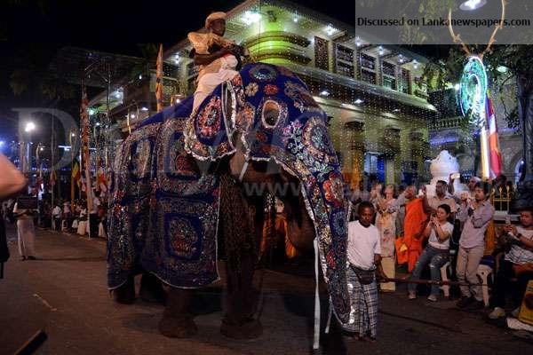 Sri Lanka News for Gangaramaya Navam Perahera parades streets