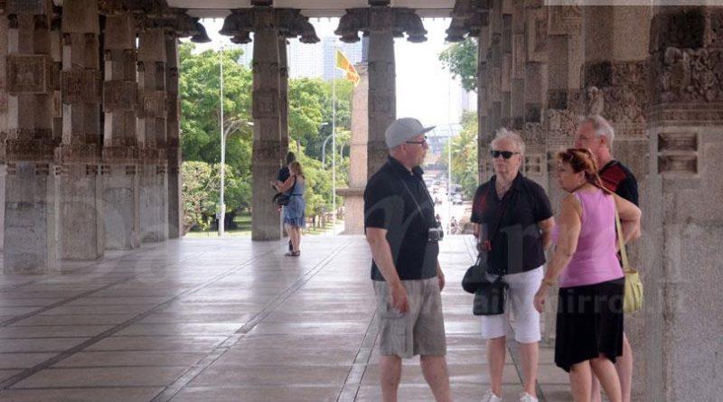Sri Lanka News for Tourists enjoy a walk
