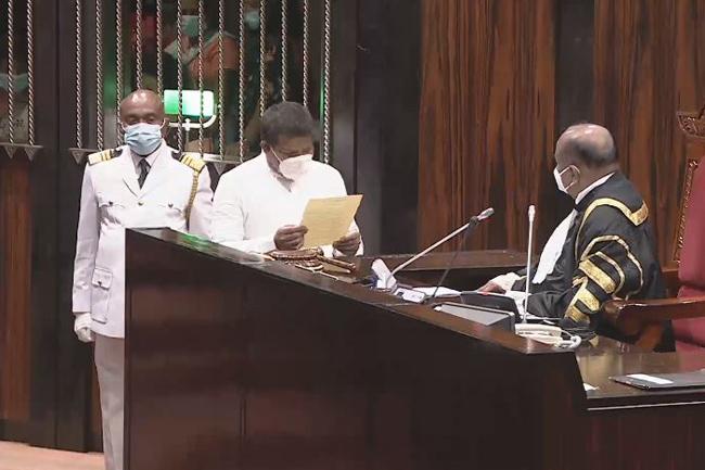 1617943290 Ajith Mannapperuma sworn in as Member of Parliament L in sri lankan news